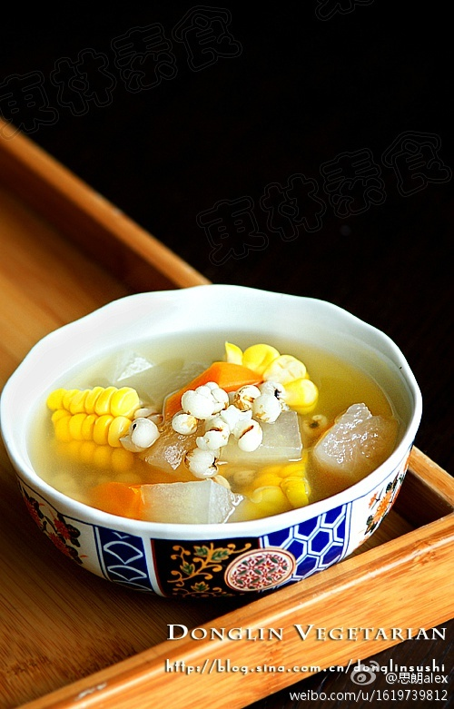 把年糕,玉米棒,大白菜,杏鲍菇加水盘中,熬汤(加足水,放入中间是不凉水煮完要过平菇吗图片