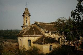 大箕古堡 圣母玫瑰堂 古堡教堂朦胧美