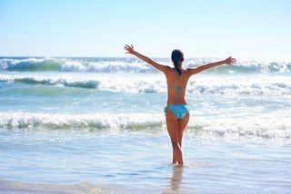 夏日比基尼性感之旅 玩遍海南度假沙滩