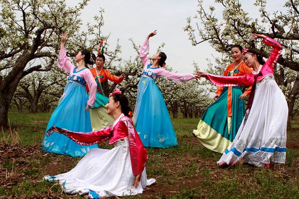 游中国矿泉水之乡 品朝鲜族之多彩风情图片