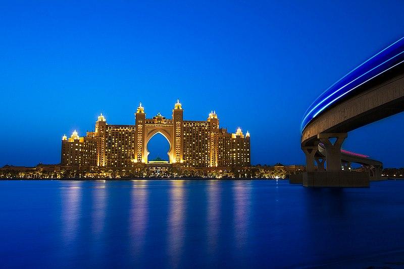 阿联酋 迪拜      五星级的atlantis酒店位于迪拜(dubai)的棕榈岛上