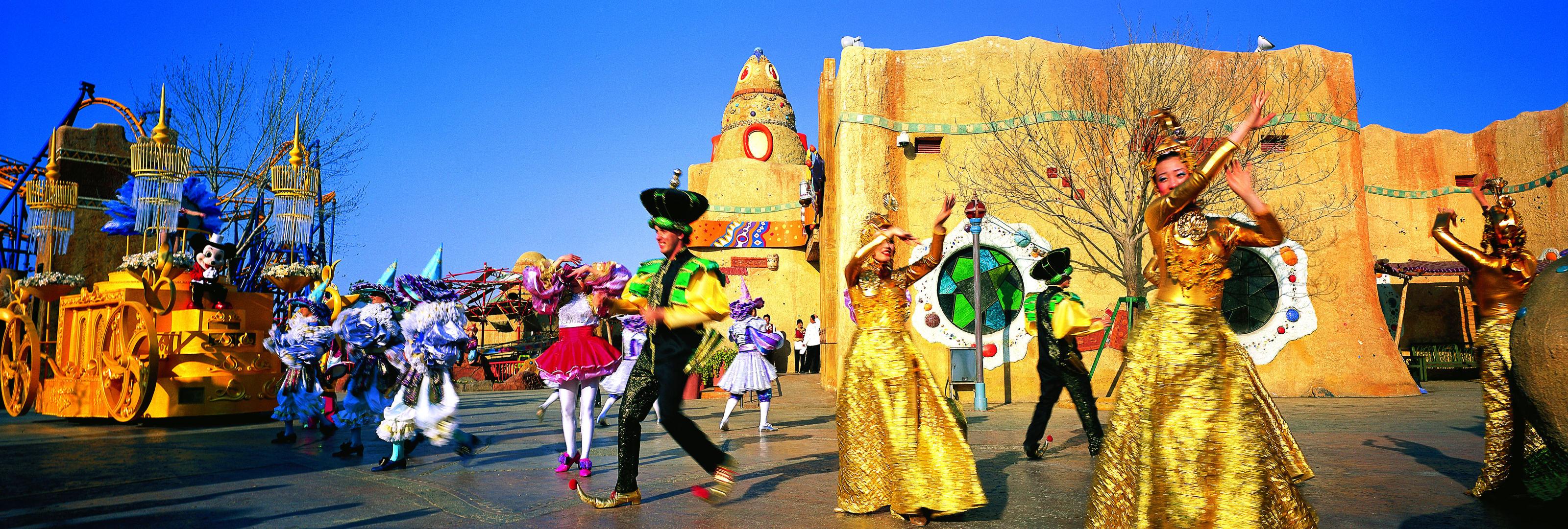 发现广场,传奇城堡,魔法森林,金属工厂,神秘沙漠,疯狂小镇和婚礼殿堂