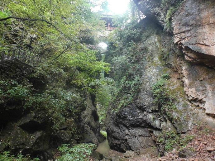 亚洲 中国 山西 临汾    灵空山风景区主要风景线有三条:风洞沟,将军