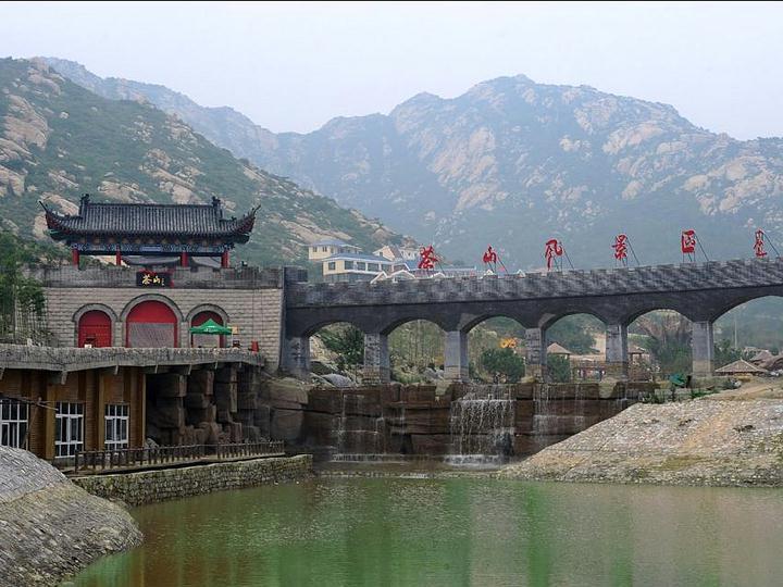 茶山风景区主要分为迎景区,自然风光区(野外拓展区),佛教文化区