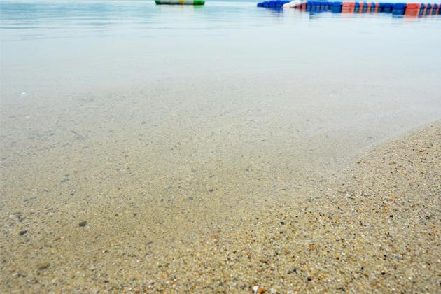 亚洲 中国 江西 九江 庐山西海      金沙滩的沙子并没有想象中细软