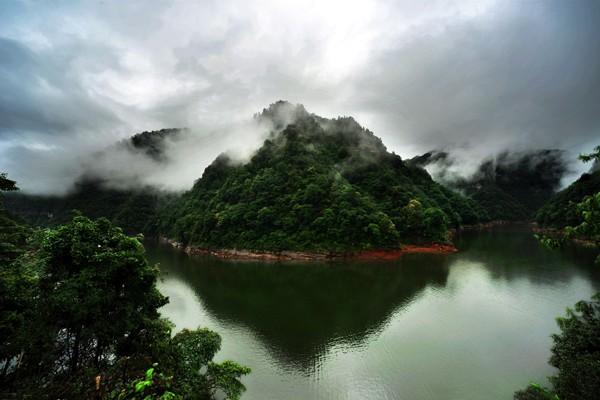 四面山龙潭湖