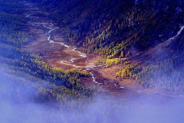 九寨沟,黄龙寺风景名胜区已被联合国教科文组织列为世界自然遗产,四