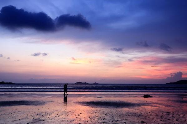 浙江 宁波    中国渔村是海洋文化休闲度假区,有别墅,娱乐区,海滨沙滩