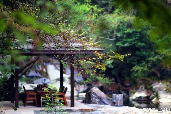 藏在山间的温泉