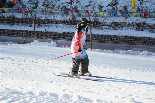 天燕滑雪场