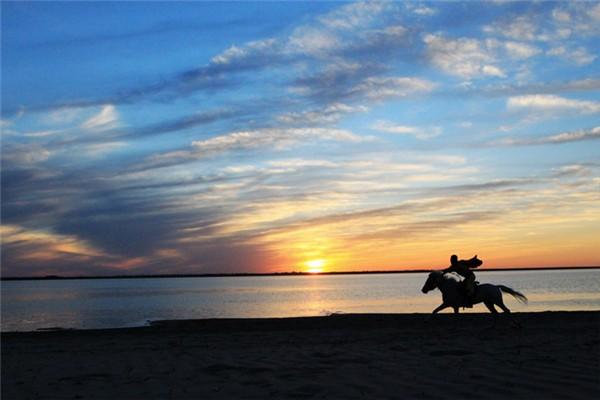 银沙湾骑马场