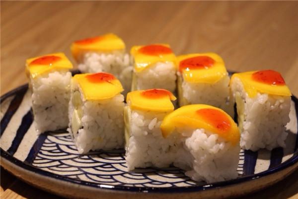 水果寿司-优鲜日 私房日料添能量图片