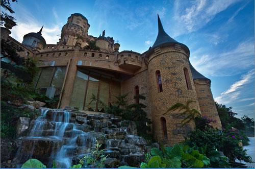 位于大渡口区的华生园梦幻城堡,位于重庆市大渡口区凤翔路123号.
