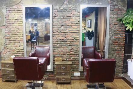 求30平方米理发店装修效果图