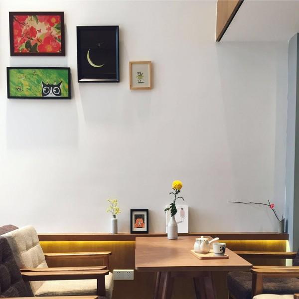 一只手绘萌喵带来的咖啡馆