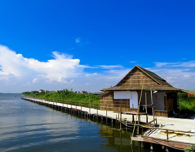 海鸥岛位于广州番禺莲花山对面,是一个渔岛.